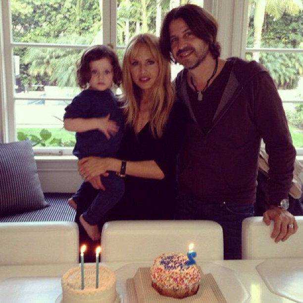 That's better. Such a stylish little family! Image courtesy of Rachel Zoe.