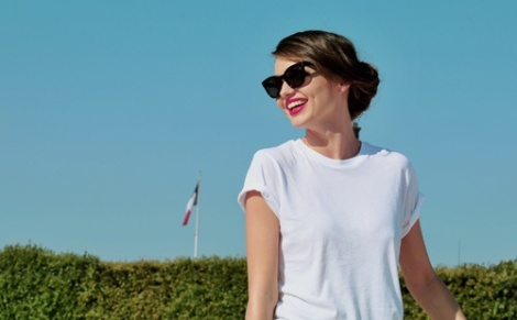 A plain white tshirt with nice lipstick and glasses - how simple but yet effective!