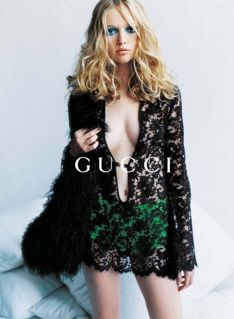 "A ""vintage"" (1996) Gucci ad campaign shot by Mario Testino, featuring model Jann Dunnin. Photo via Fashion Ad Explorer"