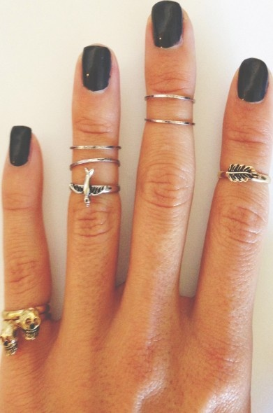 Love at first sight: Mieuxs, meet the mid-finger ring.