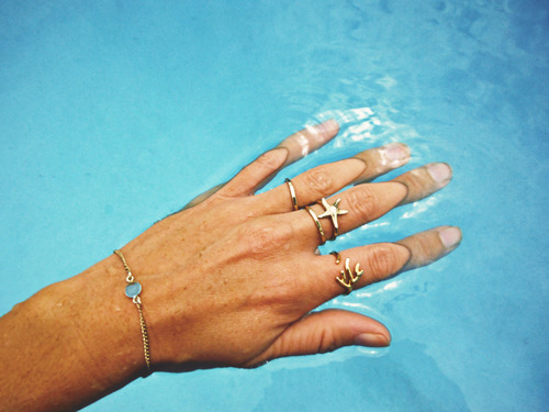 Tidepool Love rings & clear waters, perfect combination. Image via Tumblr.